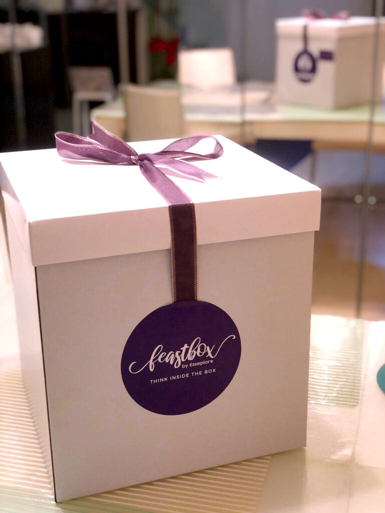 Esseplore's Urbane Gourmand box has elegant and sustainable packaging