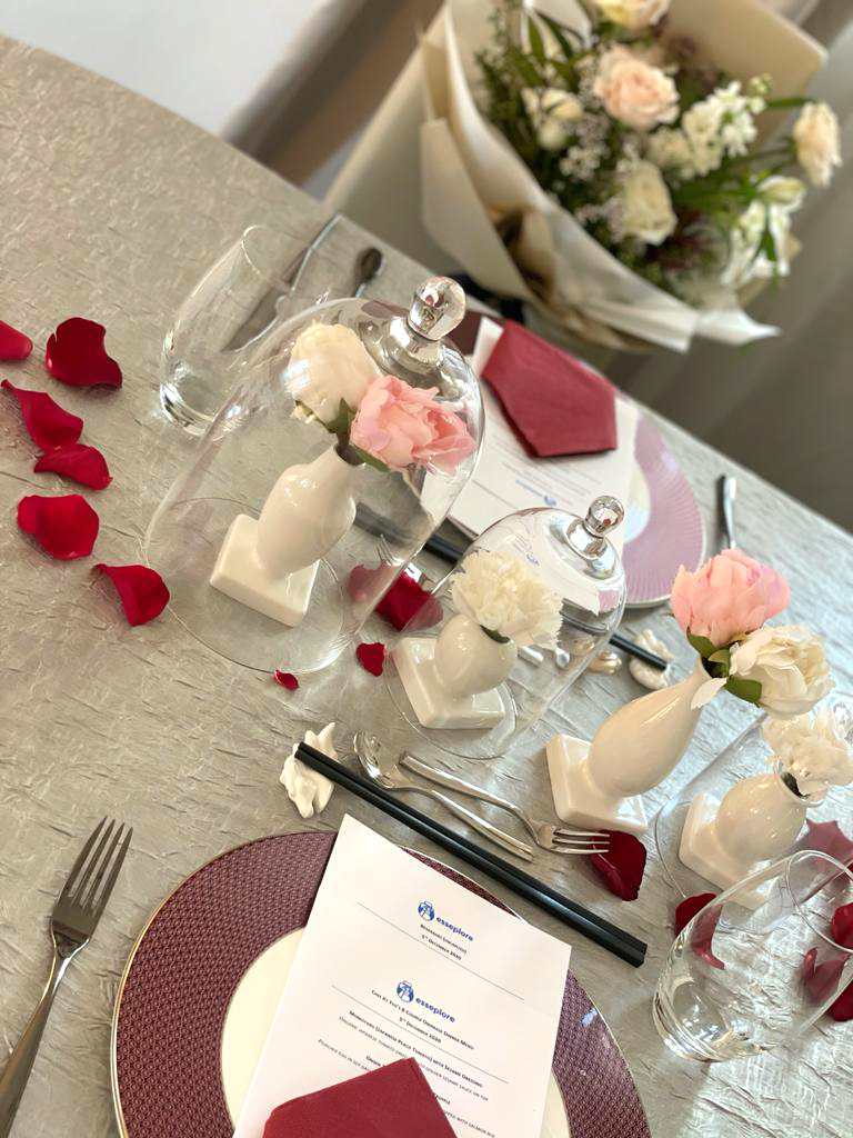 Esseplore's virtual wedding table set up details with plate, menu, culteries, rose petals and more